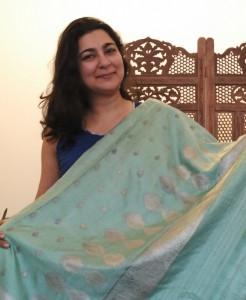 Holding up Ammiji's sari